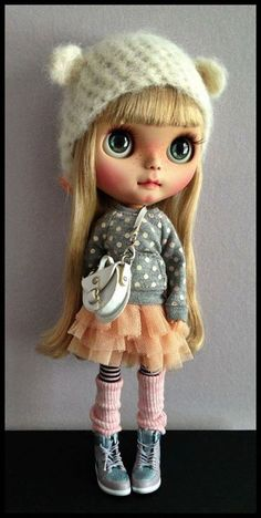 Cutie of the Day by ? (does anyone knows the author?) Check all Blythe Doll Customizers at www.dollycustom.com