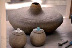 Tri lukne Raku Pottery, Pottery Art, Pottery Workshop, Pinch Pots, Mark Making, Pottery Ideas, Clay Ideas, Slovenia, Creations