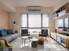 在家裡加點繽紛色彩的軟件佈置,立刻讓室內看起來更加活潑開心,鋪上清爽木質調的北歐風格,融合舒適自然氣息,即使再疲憊,一回到家,嘴角也不禁勾起迷人微笑,這就是讓生活不乏味的獨家秘訣!   33 坪的空間中住著一家 4 口,以開放式設計創造開闊視野,客廳選用繽紛色彩與家具軟裝,在淺木色沙發背牆溫柔襯托下,迎接親子之間開朗而愉快的相處時光。廚房以玻璃拉門隔絕油煙,一改客廳的活潑色調,加入科技感的藍色燈光,以及純白與銀亮金屬質感,彷彿進入料理實驗室中,為家人創造出各種意想不到的美味佳餚。臥室背牆包覆半身高的木皮,作為睡眠區的舒適背景,兒童房則以清爽溫和的天藍色為主色調,自天花向下框設出一方孩子靜謐甜美的夢鄉,恬靜的氛圍讓身心都自然放鬆了呢!  小編的最愛 不如為你的衛浴空間做一些別緻花俏的小花樣吧!淋浴間地面及牆面分別採用的復古六角磚和花磚裝飾,瞬間就變得相當可人呢!