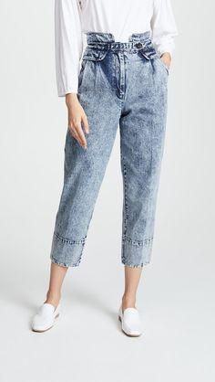 2020 jeans outfits 2020 trendy jeans jackets and outfits . Ripped Jeggings, Ripped Skinny Jeans, All Jeans, Outfit Jeans, Acid Wash Jeans Outfit, Trendy Swimwear, Denim Trends, Denim Fashion, Fashion Photo