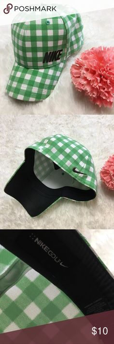 Women's Nike Golf Hat Women's green and white checked Nike golf fitted hat Thank you for checking out my closet! Offers are always welcome or bundle for bigger savings. If you have any questions feel free to ask! Nike Accessories Hats