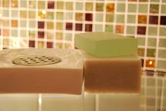 Soap dish | Portasapone quadrato in porcellana bianca e acciaio  www.agora-home.com