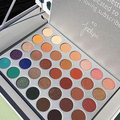 Jaclyn Hill Pallette by Morphe Makeup To Buy, Kiss Makeup, Love Makeup, Makeup Inspo, Makeup Inspiration, Makeup Geek, Makeup Goals, Makeup Tips, Beauty Makeup
