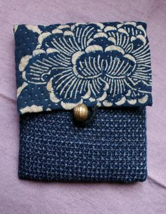 TREASURY : pouch/purse/wallet in antique Japanese fabrics, hand sewn and hand embroidered/ sashiko/katazome/kasuri