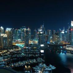 Better view at night #middleeast #travelgram #mytravelgram #amazingworldtravels #luxurytravels #instatrip #travelram