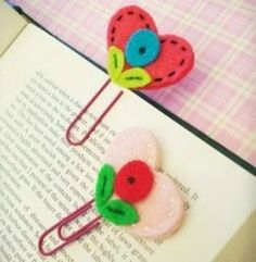 paperclip valentine's Bookmark