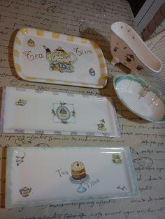 trabajos de mis alumnas | Flickr – Compartilhamento de fotos! Porcelain Ceramics, Ceramic Pottery, China Clay, China Painting, Pottery Painting, Painting Inspiration, Chiari, Kitchenware, Tea Pots