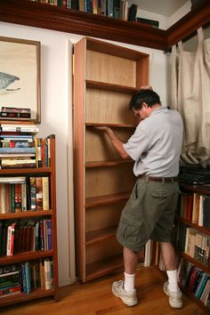 DIY Closet Book Case As A Hidden Door. Great For A Closet Or A Room That  Doesnu0026 Get Used Often