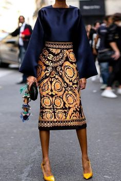 Fall Chic Square Collar Top With Vintage Printed Skirt Suits.- Fall Chic Square Collar Top With Vintage Printed Skirt Suits 👽🖖🏾 Fall Chic Square Collar Top With Vintage Printed Skirt Suits 👽🖖🏾 - Look Fashion, Autumn Fashion, Fashion Outfits, Womens Fashion, Fashion Tips, Fashion Trends, Ladies Fashion, Fashion Ideas, Feminine Fashion