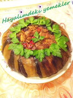 Patlıcanlı Perde Pilavı tarifi,resimli Patlıcanlı Perde Pilavı nasil yapilir My Favorite Food, Favorite Recipes, Eggplant Dishes, Tasty, Yummy Food, Mediterranean Dishes, Fresh Fruits And Vegetables, Turkish Recipes, Indian Dishes