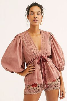 Favorite Romance Tunic in Sayulita Skies, Size M Bohemian Tops, Moda Boho, Diy Fashion, Fashion Design, Cotton Tunics, Cotton Lace, Sheer Fabrics, Free People, Dress Up