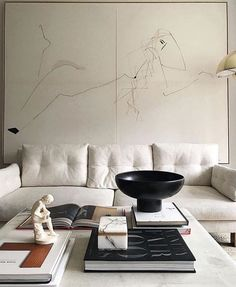 Home Decor Inspiration love the coffee table styling with the oversized black bowl.Home Decor Inspiration love the coffee table styling with the oversized black bowl Decoration Inspiration, Interior Design Inspiration, Decor Interior Design, Interior Decorating, Decorating Ideas, Interior Ideas, Decor Ideas, Design Ideas, Decorating Websites