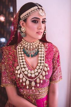 We're in love with this bridal look, especially the jewellery and shimmery eye makeup ❤️ MUA - ⠀ HAIR -… Bridalwear goals! We're in love with this bridal look, especially the jewellery and shimmery eye makeup ❤️ MUA - ⠀ HAIR -… Bridal Makeup Images, Indian Bridal Makeup, Indian Wedding Jewelry, Indian Bridal Jewelry, Wedding Makeup, Turbans, Bridal Looks, Bridal Style, Bridal Jewellery Inspiration