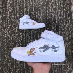 Tom and Jerry custom airforce ones. Send this to someone who would cop🤩 Dm me if you're interested. Custom Sneakers, Custom Shoes, Sneakers Nike, Swag Shoes, Nike Af1, Hype Shoes, Nike Air Force Ones, Painted Shoes, Me Too Shoes