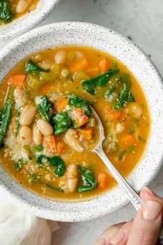 Try this vegan Mediterranean White Bean Soup for lunch of dinner. It& a quick gluten free soup recipe that& filled with vegetables and plant-based protein & Vegan Soup & Mediterranean Recipes & Mediterranean Diet & Soup Recipes & , Diet Soup Recipes, Vegetarian Recipes, Cooking Recipes, Healthy Recipes, Autumn Food Recipes, Quick Soup Recipes, Celery Recipes, Bean Soup Recipes, Kale Recipes