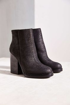 Ash Delire Chunky Heel Boot - Urban Outfitters