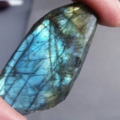 Check out this item in my Etsy shop https://www.etsy.com/listing/221204148/77ct-big-faceted-labradorite-flash