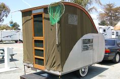 tent-trailer... This is great, anyone can pull it!