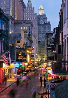 Miss M's Girls Trip / karen cox / New Orleans, Mardi Gras. New Orleans- Bourbon Street - AMAZING PLACE- I think everyone needs to experience it at least once. The food is crazy ridiculous too. Beautiful Streets, Beautiful Places, Dream Vacations, Vacation Spots, Oahu, Great Places, Places To See, New Orleans Bourbon Street, Places Around The World