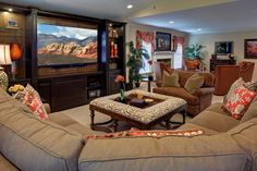 Traditional Living Room #lovewhereyoulive, #artistryinteriors, #familyroom