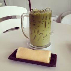 Iced Green Tea and Crape Roll Cake