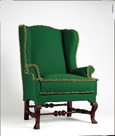 American (Massachusetts) Easy chair at the Metropolitan Museum of Art, New York - I had seen a number of these easy chairs in museum collections so far, but what made this one stand out to me was the fringe used in the piping. Georgian Furniture, Antique Furniture, Painted Furniture, Antique Chairs, Old Fashioned House, American Wings, Love Chair, Comfy Sofa, Wing Chair