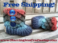 Crocodile Baby Boots Boy or Girl Wool Yarn by HarringtonCrafts, $25.00 with Free Shipping!    www.HarringtonCrafts.etsy.com