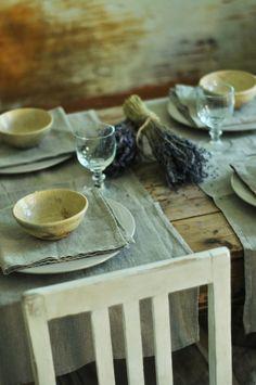 linen table setting