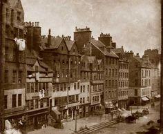 The Lawnmarket, Royal Mile, Edinburgh. Photograph by Thomas Keith, circa 1860 Old Town Edinburgh, Visit Edinburgh, Edinburgh Scotland, Old Pictures, Old Photos, Vintage Photos, Victorian Photography, Vintage Photography, Ireland Country