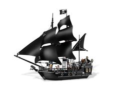 Battle Davy Jones and his crew aboard The Black Pearl!    ..even though im 22, I WANT THIS FOR MY BIRTHDAY!