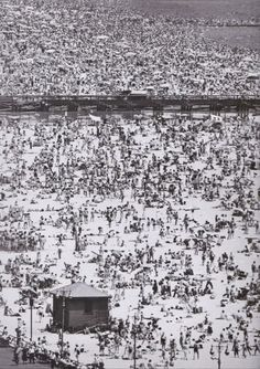 Andreas Feininger - Coney Island, New York, 1949. S)