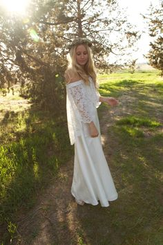Boho Wedding Dress White Off the Shoulder by DaughtersOfSimone....I WANT THIS!!!!!!!!