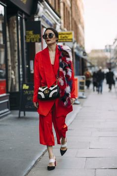 The Fashion Crowd Are Hitting London's Streets in Style - February 2017 #LFW #FW17
