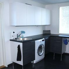 Puustelli kylpyhuone / badrum Kitchen Designs, Washing Machine, Laundry, Home Appliances, Laundry Room, House Appliances, Cuisine Design, Appliances, Kitchen Design
