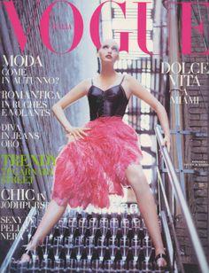 Nadja Auermann by Steven Meisel Vogue Italia July 1992 Vogue Magazine Covers, Fashion Magazine Cover, Fashion Cover, Vogue Covers, Vogue Fashion, 90s Fashion, Runway Fashion, Nadja Auermann, Stephanie Seymour