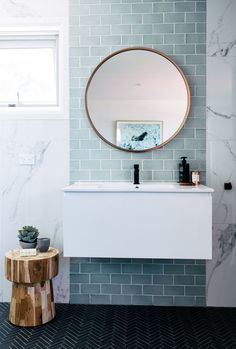 Home Interior Colour blue and marble tile bathroom + bathroom design + floating vanity + round bathroom mirror Marble Tile Bathroom, Laundry In Bathroom, Bathroom Renos, Bathroom Interior, Modern Bathroom, Bathroom Ideas, Minimalist Bathroom, Small Bathrooms, Small Bathtub
