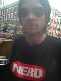 "Jared's tweet: ""hey brother I'm havin a beer… Representin'… pic.twitter.com/xEpreaSVLY Zach's tweet: ""And that's why I love you. That & your glutes."" - Zachary Levi and Jared Padalecki everyone!"