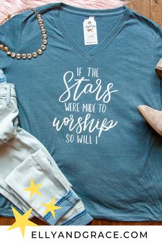 the Stars were Made to Worship So Will I Relaxed Ladies Vneck Our new favorite design is now on our relaxed v-neck tee! We are LOVING this song right now! Our new favorite design is now on our relaxed v-neck tee! We are LOVING this song right now! Christian Clothing, Christian Shirts, Christian Apparel, Vinyl Shirts, Personalized T Shirts, Shirts With Sayings, Cool T Shirts, Printed Shirts, T Shirts For Women