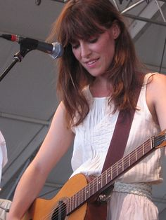 No Reminder Needed: Feist's Rising Star Continues To Shine At Bonnaroo 2007 - Loudersoft