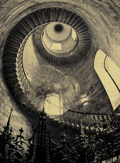 the eye of the spiral staircase