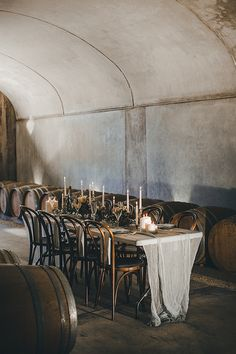 Moody and romantic winery wedding inspiration Elegant Wedding, Floral Wedding, Wedding Designs, Wedding Styles, Wedding Events, Decor Wedding, Gift Wedding, Wedding Ideas, Wedding Table Settings