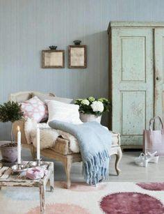 Vintage Room. Pastel blues and pinks.
