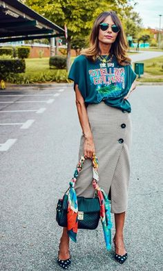 Modest Fashion, Skirt Fashion, Smart Casual Women Office, Edgy Outfits, Cool Outfits, Urban Fashion, Womens Fashion, Spring Street Style, Casual Chic