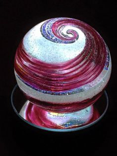 Forget Coffins! This Company Will Swirl You Into Beautiful Glass Creations When You Die Design  Seattle- based company Artful Ashes is helping loved ones during the grieving process by creating unique glass memorials for those who have passed away. http://www.lifegem.com/index.php