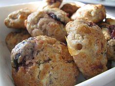 Cookies basques au fromage de brebis et confiture de cerises noires
