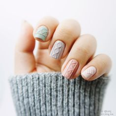 //knit nails //can someone please translate the Korean the how-to! #nailart