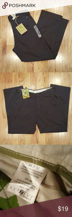 38x32 Brand New Relaxed Straight Pants Brand new dark gray relaxed straight khaki pants from Haggar Haggar Pants Chinos & Khakis
