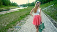 #outfit #fashion #OOTD #whitetop #LYDCbag #mintgreen #sunglasses #peachskirt #skaterskirt #circleskirt #river
