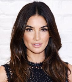 Lily Aldridge's extra long lashes are so stunning