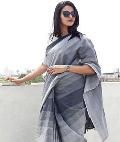 How To Look Stellar in Neutral Shade Sarees! Cotton Saree Designs, Saree Blouse Neck Designs, Saree Wearing Styles, Saree Styles, Trendy Sarees, Stylish Sarees, Grey Saree, Formal Saree, Formal Wear Women